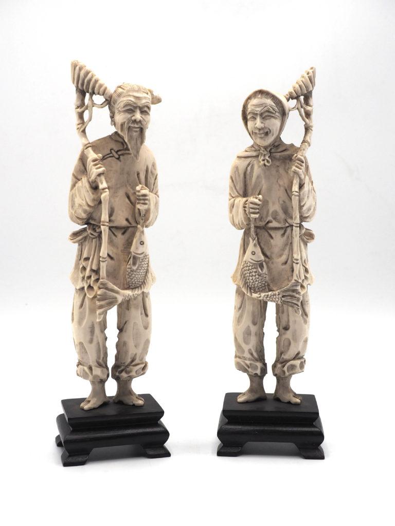Coppia di Okimono raffiguranti Anziani Pescatori - Giappone, periodo Meji