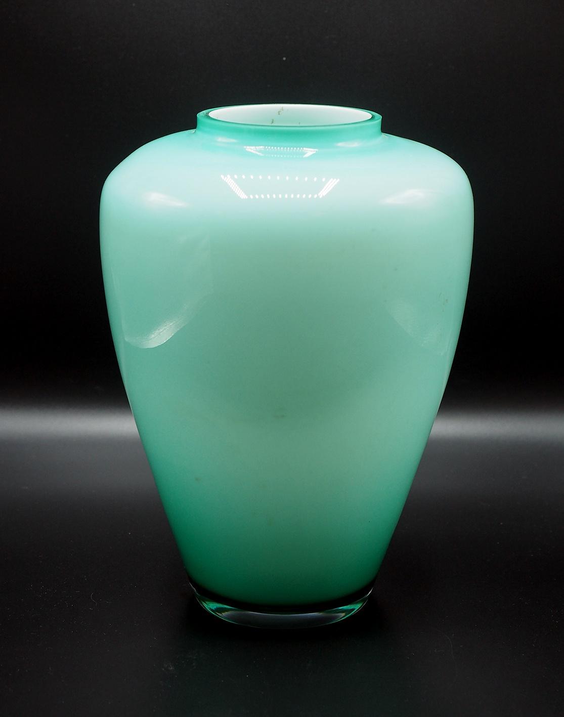 Vaso in vetro di Murano incamiciato, XX Secolo