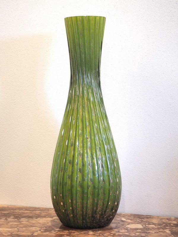 vaso verde in vetro di Murano