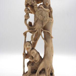 Okimono raffigurante Viandante con Immortale - Giappone, periodo Meji