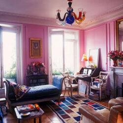 Come inserire i tuoi oggetti d'antiquariato in una casa in stile moderno
